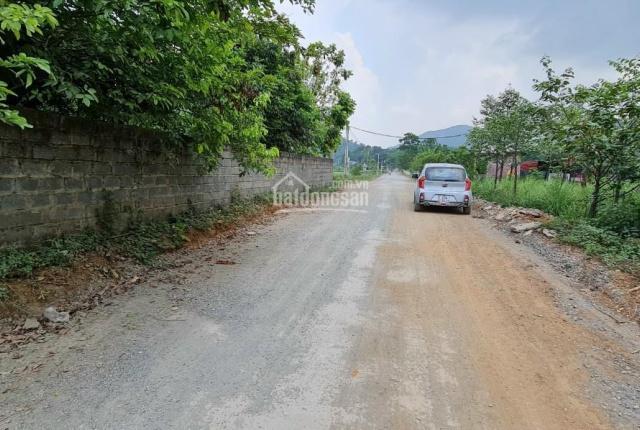Cần bán lô đất mặt đường 360m giá đầu tư tại Hòa Sơn Lương Sơn