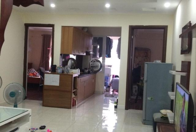 Gia đình chuyển công tác muốn nhượng lại căn 70m2 thoáng mát, tầng trung đẹp, miễn trung gian