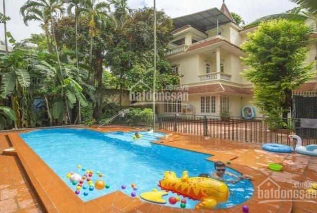 Cho thuê biệt thự sân vườn rộng có bể bơi ở Quảng An, Tây Hồ, Hà Nội. LH: 0936639922