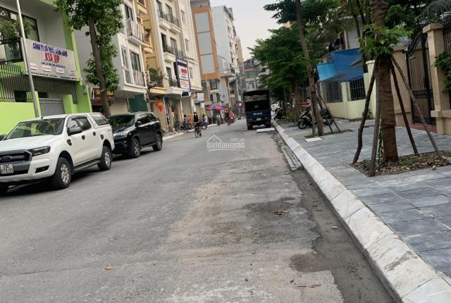 Bán nhà phố Võng Thị ngõ ô tô tránh diện tích 120m2 5 tầng mặt tiền 10m, cách hồ 2p đi bộ giá 14tỷ