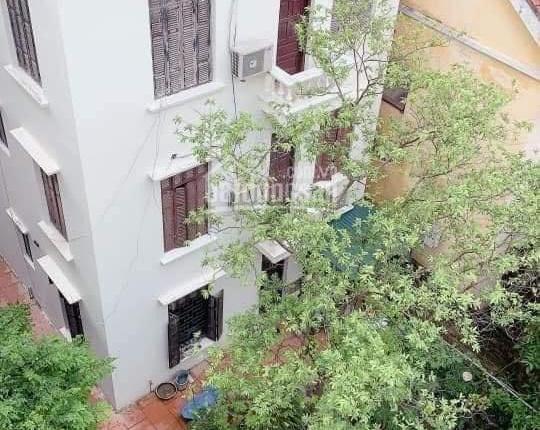 Chính chủ bán nhà Lạc Long Quân 30m2 - 5 tầng Sát Hồ Tây - Giá rẻ bất ngờ