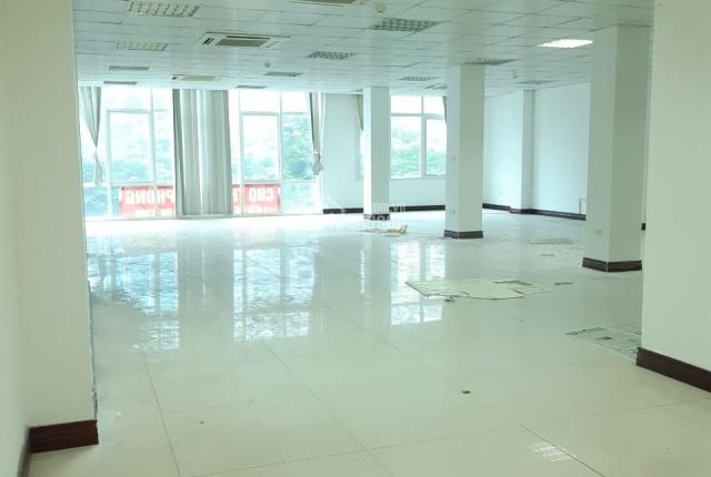 Chính chủ cho thuê văn phòng chuyên nghiệp phố Duy Tân - Cầu Giấy, 160m2, giá 26 triệu/tháng