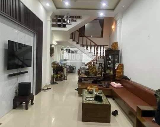 Cần bán căn nhà trong khu nhà ở văn minh ngõ 96 Chợ Hàng thông 193 Hồ Sen