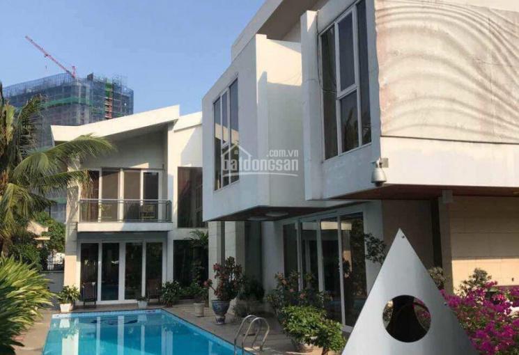 Bán biệt thự tuyệt đẹp mặt tiền đường Trần Ngọc Diện, khu cao cấp tại Thảo Điền, Quận 2