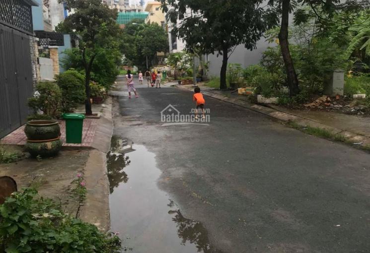 Bán nhà phố đường số 13 KDC Sadeco Phước Kiển, DT: 5x19m, 1 trệt 2,5 lầu. Giá: 7,8 tỷ