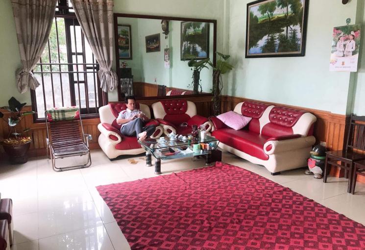 Chính chủ bán nhà mặt đường Lê Văn Lương, DT 250m2, 2 lầu, có sân thượng, giá 3,8 tỷ. LH 0796423579