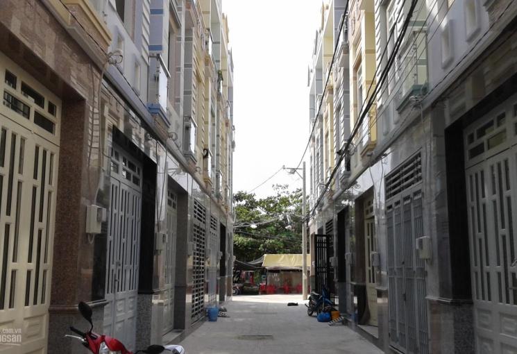 Nhà phố 3 tầng, hẻm xe hơi, DT 3.6x13m, gần ngã tư Võ Văn Kiệt, An Dương Vương, chỉ 3,7 tỷ