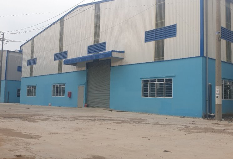 Chính chủ cho thuê kho xưởng khuôn viên 3500m2 (DT xây dựng 2700m2 giá 200 triệu/th). 0915715203