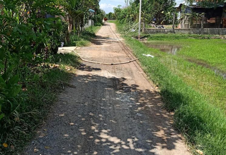 Cần bán miếng đất thuộc xã Tân Phú, ngang 5m, dài 43m, thổ cư 100%, giá 550 triệu