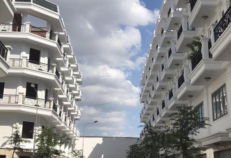 Nhà phố 1T 4 lầu ngay Hà Huy Giáp,Ngã Tư Ga,Q.12,dt sàn 280m2,giá 3.5 tỷ,SHR,giấy tờ đầy đủ.LH xem