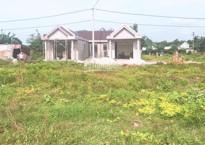 Chính chủ cần bán miếng đất gần chợ Hoà Long. LH 0901633866