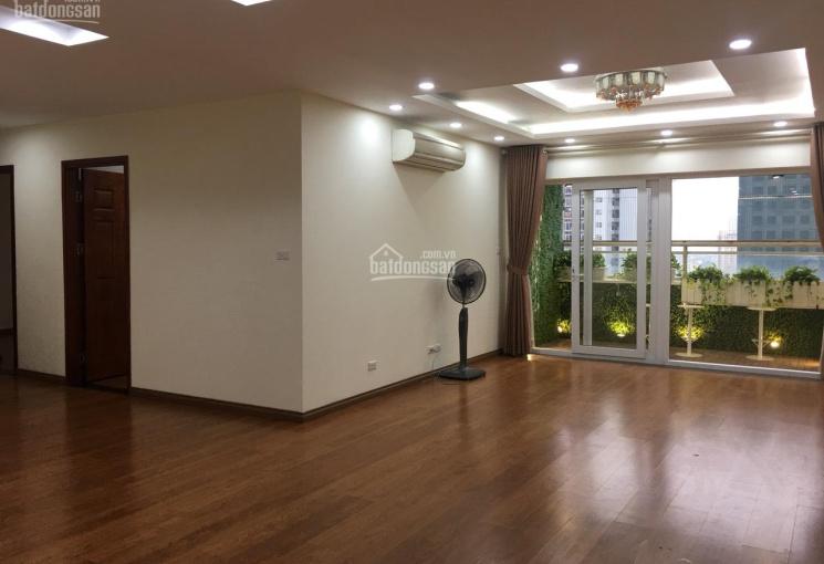 Tôi (chính chủ) cần bán căn hộ chung cư Hapulico 24T - 3PN 135m2, căn góc ban công Đông Nam