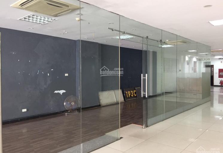 Cho thuê cửa hàng riêng biệt mặt phố Bà Triệu, P. Lê Đại Hành, 45m2, MT 4m, giá 29tr/th, 0936030855