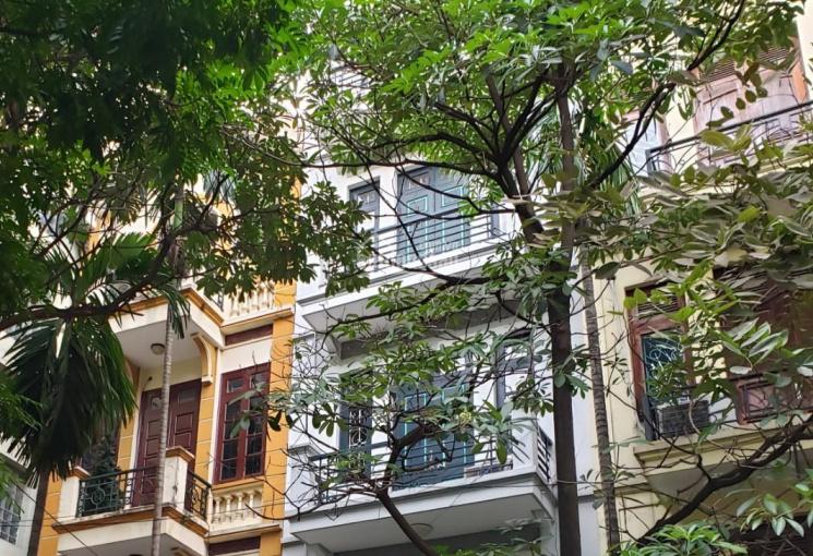 Cần cho thuê nhà ngõ 125 Trung Kính, 90m2, xây 5 tầng. LH: 0936135299