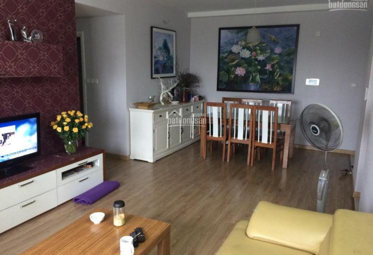 Cần bán gấp căn hộ CC Mulberry Lane, thuộc tòa A view hồ , 82.43m2, full nội thất giá 2.4 tỷ,có sổ