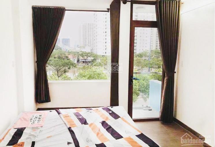Chính chủ cho thuê căn hộ dịch vụ mặt tiền Võ Văn Kiệt Q1