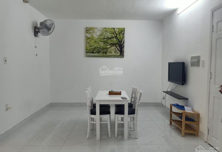 Bán căn hộ 2 PN, 2 toilet, 58m2, Full nội thất mới, nhà mới TK lại, giá 1 tỷ 470, LH: 0908 209 586