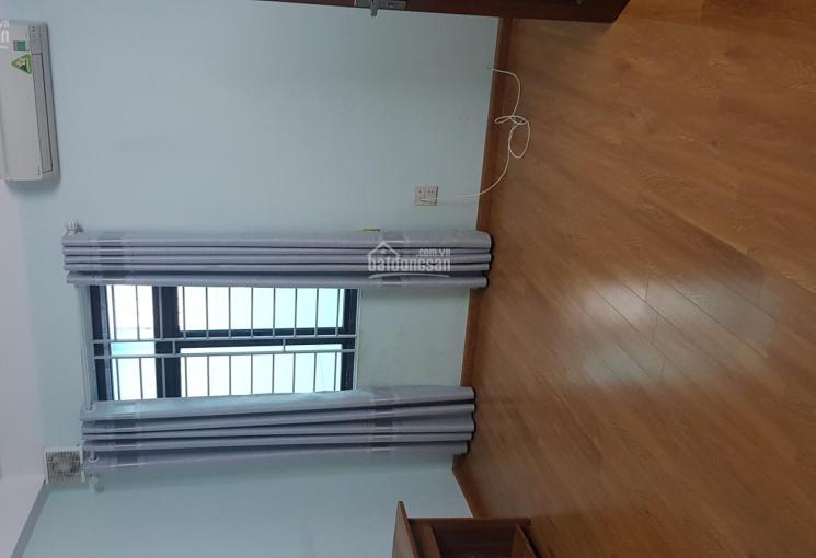 Cho thuê nhà Văn Quán 80m 3 tầng 15tr ô tô đỗ cửa.