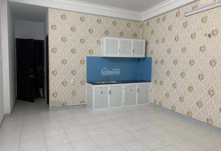 Cho thuê phòng mới, rộng , thoáng,  40m2, sạch sẽ mặt tiền đường số 6, gần sát chợ Gò vấp