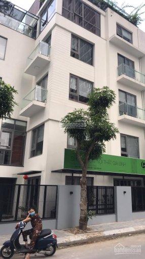 Cần bán căn liền kề hướng Đông Nam, 82m2 tại 82 Nguyễn Tuân, Thống Nhất Comlplex, căn sát mặt ngoài