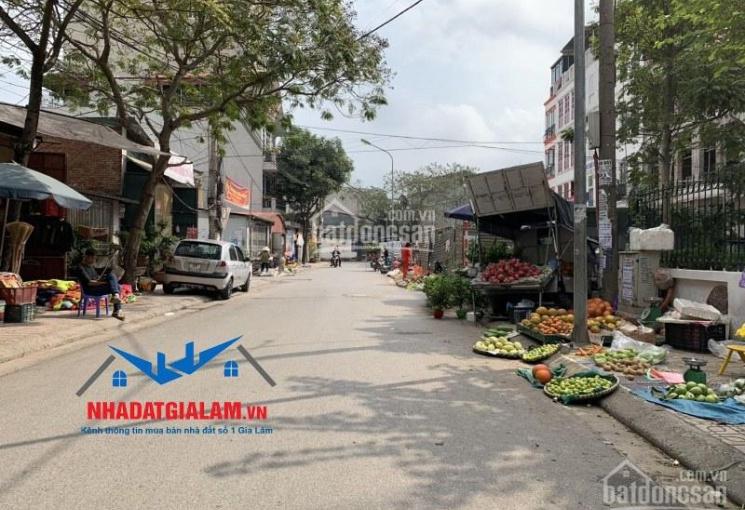 Bán gấp 93m2 kinh doanh siêu đẹp mặt ngõ 100 Sài Đồng, Long Biên. LH 097.141.3456