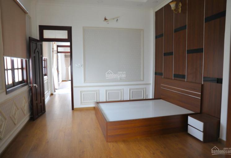 Cần bán nhà đường Huỳnh Tấn Phát, Q. 7, ngay ngã tư Phú Thuận, thương lượng giá tốt. LH 0902532947