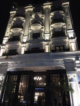 Bán khách sạn xây mới 195m2 x 7 tầng mặt phố Hàng Quạt, MT 6.5m. Giá 158 tỷ, LH: Ly 0903480955