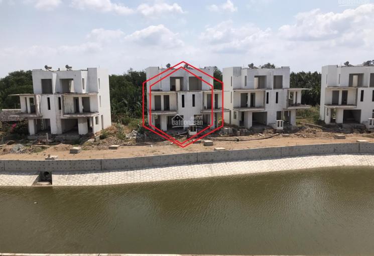 Chính chủ bán nhà phố mặt hồ sinh thái Dragon Village Q9, hướng Đông Nam, giá bán nhanh TT 4.25 tỷ