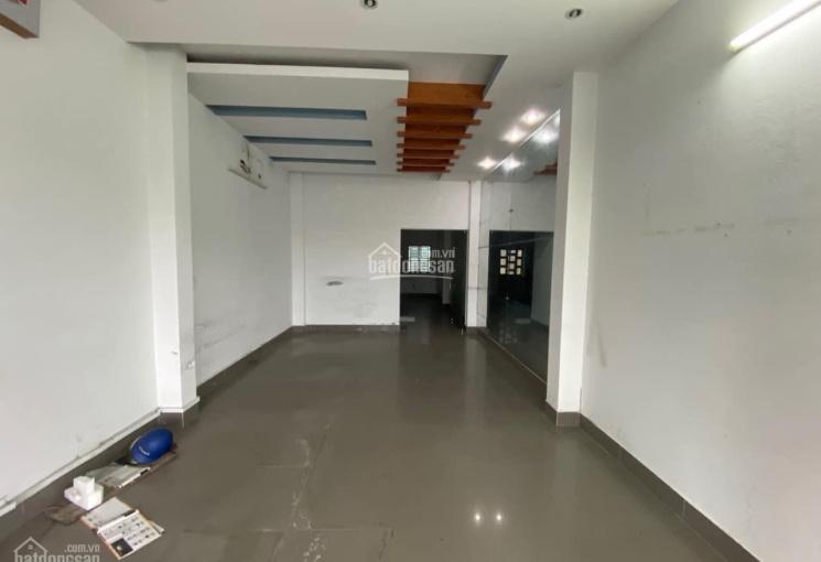 Cho thuê nhà 1 trệt, 2 lầu, 1 sân thượng mặt tiền đường 30/4 (đoạn đối diện Vincom Xuân Khánh)