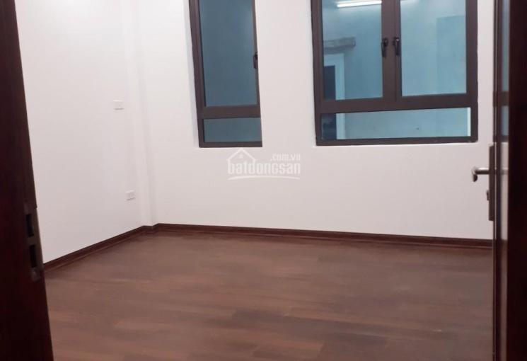 Chính chủ cần bán 3 căn nhà 5 tầng xây mới số 23 ngõ 67 phố Khương Trung. LH: 0906.242.956