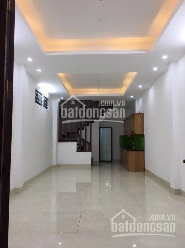Chính chủ cần bán 2 căn nhà 5 tầng xây mới số 17 ngõ 557 phố Vũ Tông Phan. LH: 0906.242.956