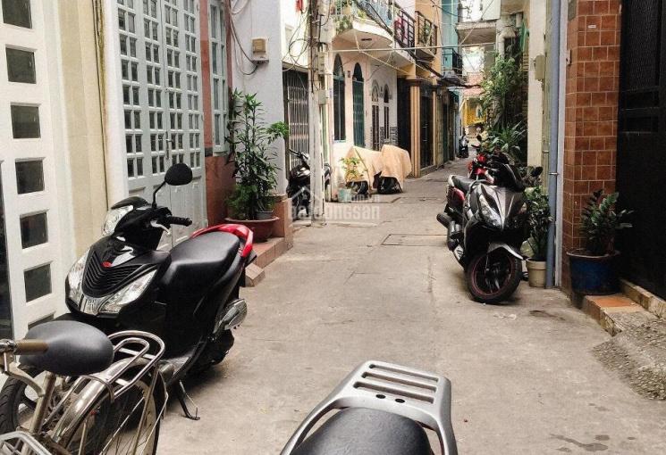Bán nhà chính chủ đường Lý Chính Thắng, Quận 3, giá rẻ hơn thị trường. LH 0903783689