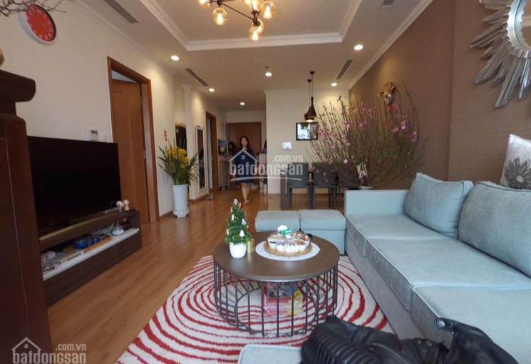 Bán căn hộ tầng 19 Vinhomes Nguyễn Chí Thanh: 86m2 - 2 ngủ, đầy đủ đồ, giá đề xuất 4.5 tỷ ảnh thật