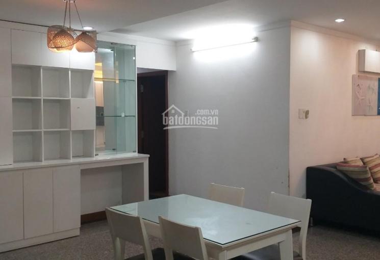 Cho thuê căn hộ Giai Việt Quận 8, 2PN, 115m2 full nội thất, giá 12tr/tháng, y hình. LH: 0907778411