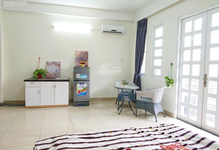 Bán tòa căn hộ dịch vụ 13 phòng KDC xã Phước Kiển, 1 trệt 3,5 lầu doanh thu 40tr/tháng. Giá: 9,5 tỷ