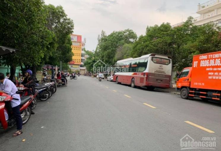 Bán nhà mặt tiền đường Hoa Bằng, DT: 8m x 13m, sổ hồng riêng. Gía: 17 tỷ