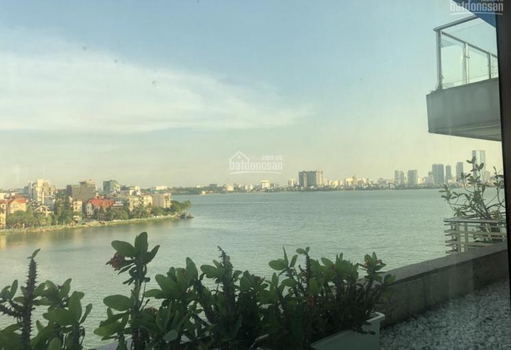 Bán đất vị trí vàng, sổ đỏ 500m2, mặt tiền rộng 20m, mặt Hồ Tây, mặt phố đường Vệ Hồ, giá 135 tỷ