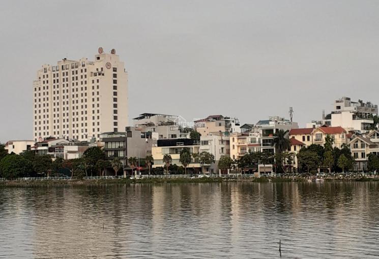 Bán tòa nhà đẹp nhất mặt Hồ Tây, DT 600m2, mặt tiền 30m, giá 500 tỷ. LH 0961668362