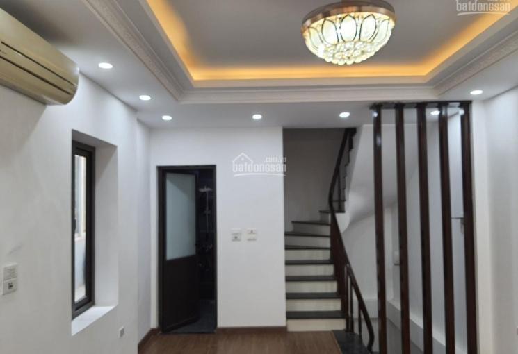 Tôi chính chủ cần bán nhà 34m2 phố Lê Hồng Phong Nguyễn Trãi cạnh chợ Hà Đông oto đỗ cổng. Giá 2tỷ7