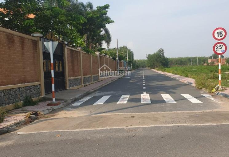 Tôi cần bán lô đất 2 mặt tiền gần cổng chính sân bay Long Thành
