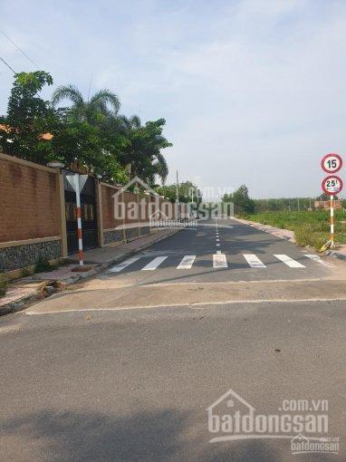 Chính chủ cần bán lô góc 2 mặt tiền gần KDC D2D, xã Lộc An
