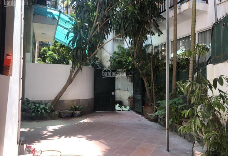 Bán nhà biệt thự sân vườn tại ngõ 12 Đặng Thai Mai, Xóm Chùa