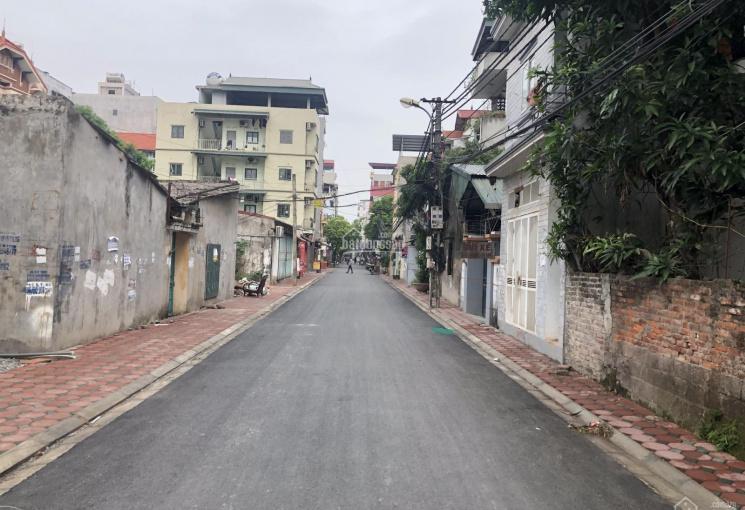 Bán đất đấu giá trong đê Đông Dư, Gia Lâm, HN đường 4m, có vỉa hè giá chỉ 31 triệu/m2 LH 0941796888