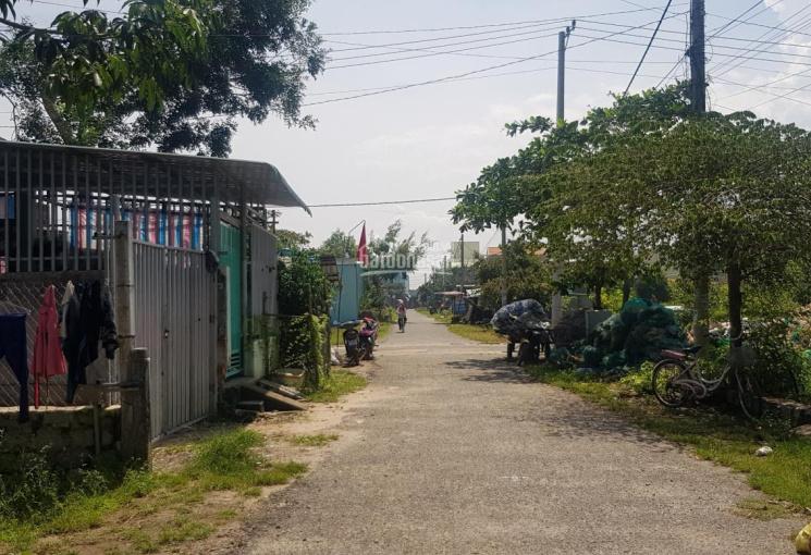 Nhà cấp 4 tại KDC đông đúc, cách Bãi Biển 800m đi bộ, diện tích 189,9m2 ngang 8m full thổ cư