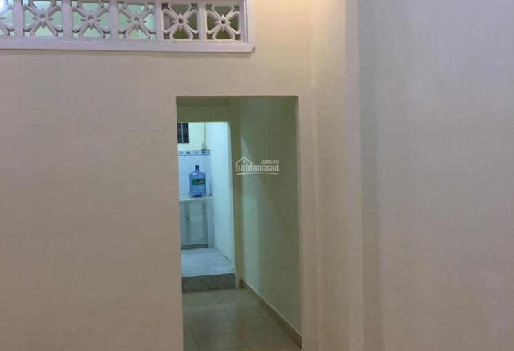Cho thuê nhà ngay nhà may Phương Đông Quang Trung 2pn, 2wc giá 6tr/tháng. LH: 0902504839