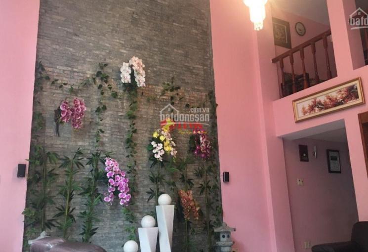 Bán villa Nguyễn Văn Hưởng, Thảo Điền, Quận 2 - 30 tỷ - 0905747886