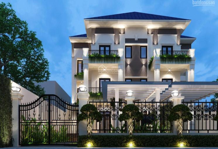 Bán biệt thự sân vườn gần 500m2, hẻm 12m đường Nguyễn Thị Thập, DT: 17.65x29m, trệt, 3 lầu
