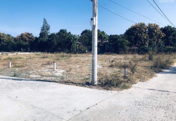 Chính chủ bán đất khu vực Cam Hải Tây, 2 mặt tiền 141m2 giá chỉ 730 triệu. LH: 0925571894