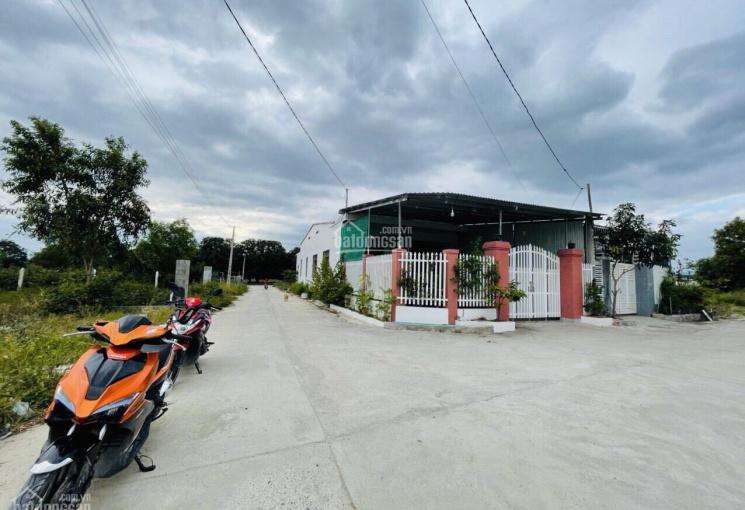 Bán đất mặt tiền đường Đinh Tiên Hoàng chính chủ lô nhánh giá chỉ 7.9tr/m2 100m.LH:0925571894