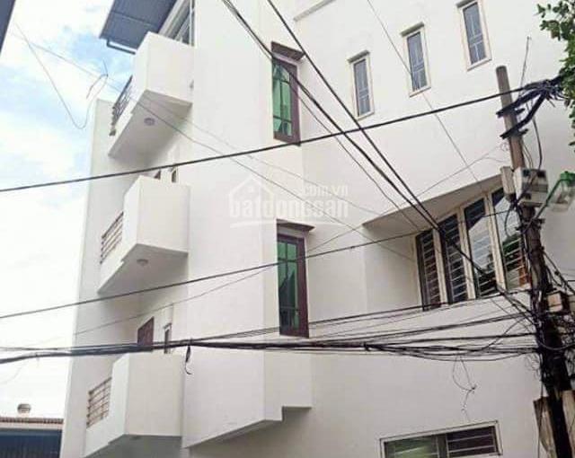 Nhà dân xây 55m2 2 mặt thoáng tại Đức Giang, đường rộng 5m ô tô vào nhà để lại toàn bộ nội thất đẹp
